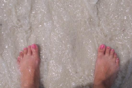 Palmetto Inn & Suites: Crystal clear Water!