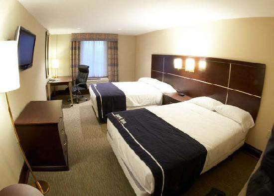 Woodbine Hotel & Suites: Bedroom