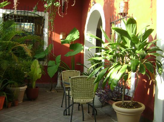 Hotel Julamis : Breakfast in Courtyard