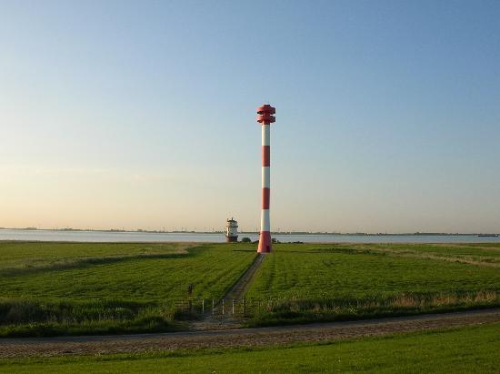 Otterndorf, Germany: 2 Leuchttürme an der Elbe Richtung Hamburg