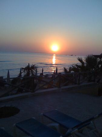 Tsilivi Beach Hotel: sunrise