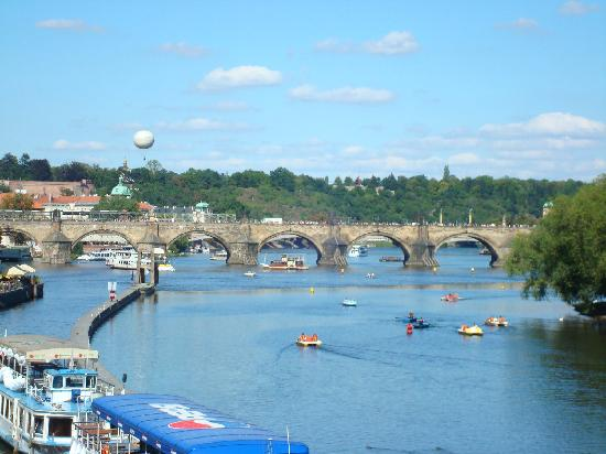 Arbes: The Charles Bridge