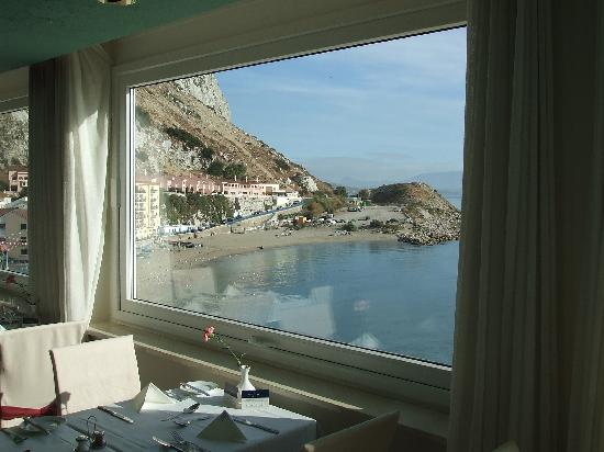 Caleta Hotel : view at breakfast