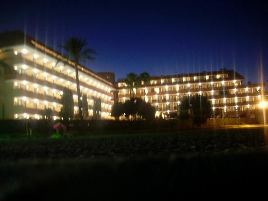 Paraiso de Alcudia: hotel view from the beach