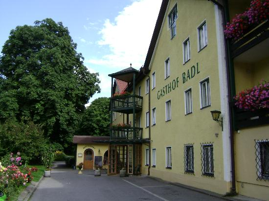Gasthof Badl: front view of hotel