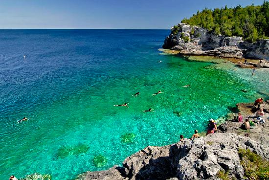 Tobermory, Kanada: Indian Head Cove, a very popular place for swimming along the Georgian Bay Trail within BP Nat.