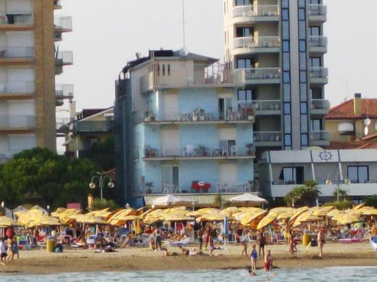 Hotel Solemare: Lage direkt am Strand