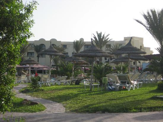 Aldiana Djerba Atlantide: Teil der Anlage - Poolnähe vom Strandaufgang