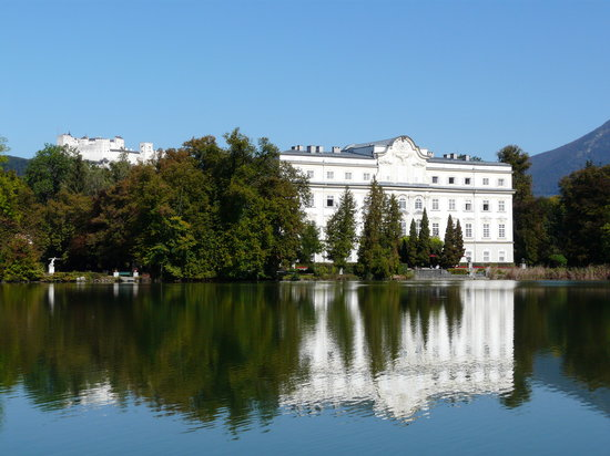 Salzburg, Österrike: Leopoldskron on the Sound of Music Tour