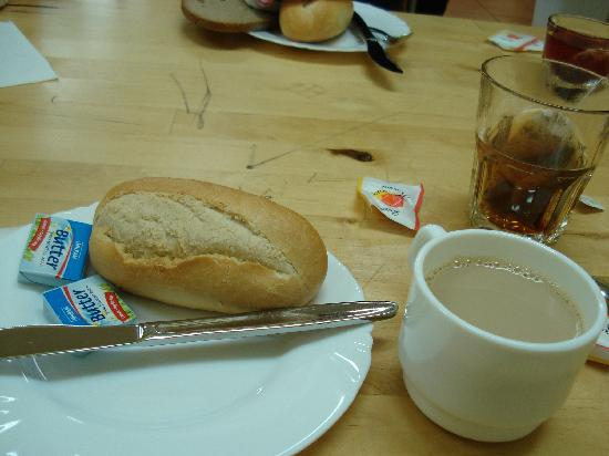 A&O Berlin Mitte: Desayuno correcto