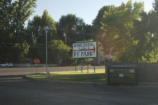 Highlands RV Park: Entrance