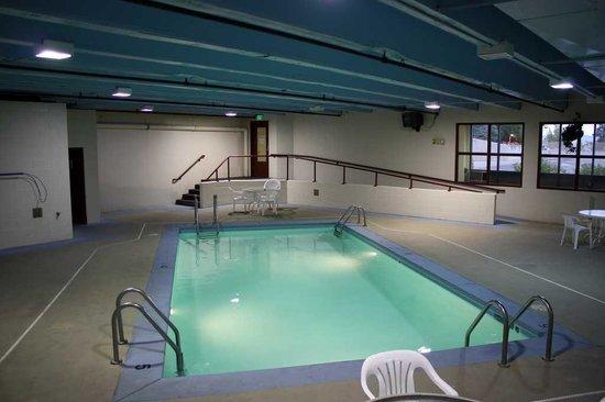 Jorgenson's Inn & Suites: Pool