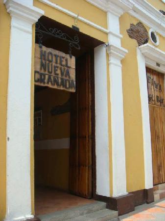 Hotel Nueva Granada : front