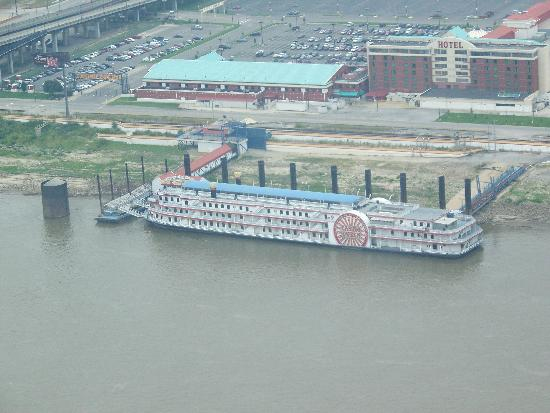 riverboat casino in st louis