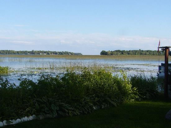 Brasscranes Bed & Breakfast: Lake view from the dock