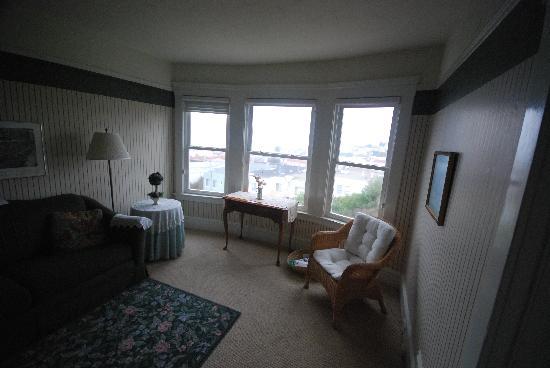 Ocean Beach Bed and Breakfast : Bedroom suite sitting room
