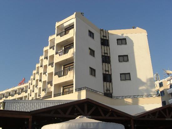 Pavlo Napa Beach Hotel : Hotel view from pool.