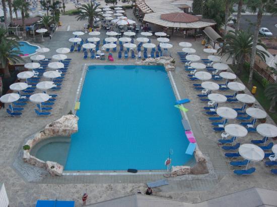 Pavlo Napa Beach Hotel : Main pool.