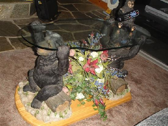 Cozy Bear Cottages: The rather unique bear coffee table