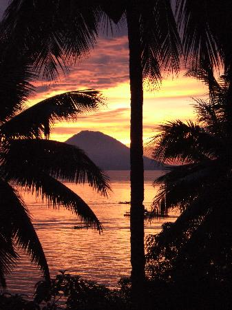 Kima Bajo Resort & Spa, Manado: Sunsets from our room