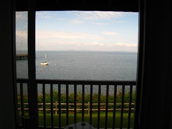 Atlantic Oceanside Hotel and Event Center: View from Deck in room