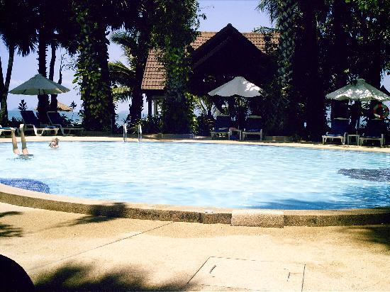 Paradise Beach Resort : Le bar de la piscine