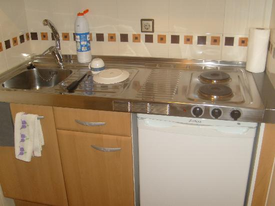 Apartamentos Juan Bravo: Resto cocina