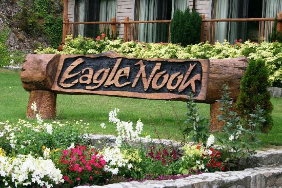 Eagle Nook Resort & Spa: Resort Entrance