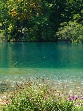 Plitvice Lakes National Park, Kroatië: One of the lakes