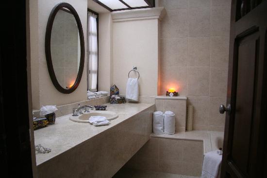 Hotel Casa del Balam: Master Suite 112 Baño