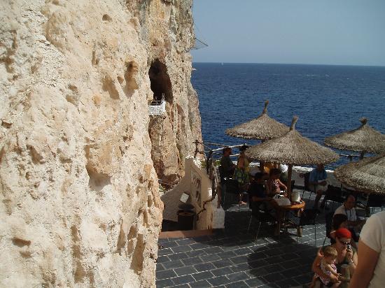 Hotel Apartamentos Princesa Playa: Cliff Bar (Island Trip)