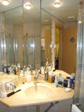 Hotel De La Mer  My bathroom. My bathroom   Picture of Hotel De La Mer  Tel Aviv   TripAdvisor