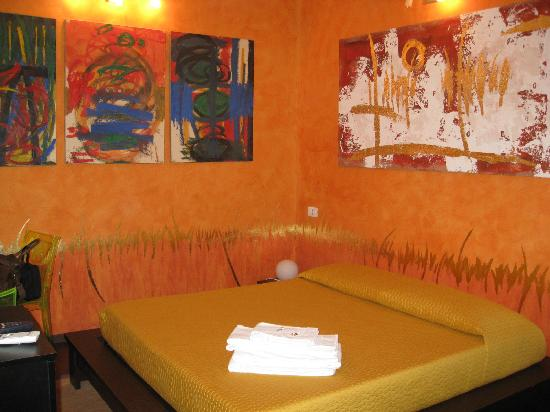 "Art & Relax Suites: ""Fire"" room"