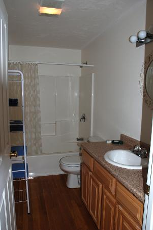 Onset Bluffs Vacation Condos: Bathroom of 3L