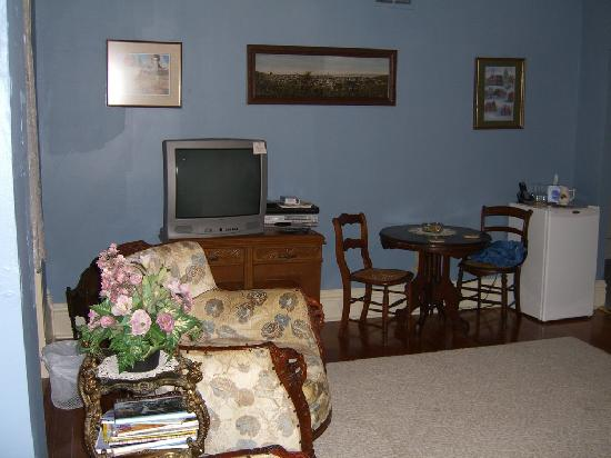 Heritage Lodging Bed and Breakfast: Sitting room at Heritage Lodging