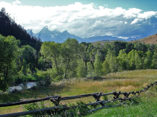 Gros Ventre River Ranch: Scene from the lodge