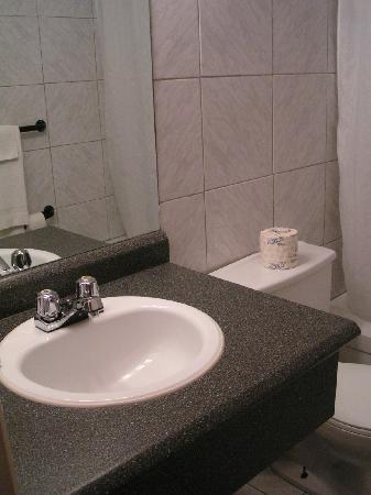 Motel Colibri : La salle de bains