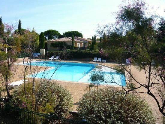 Les Jardins de Fontanille : La piscine