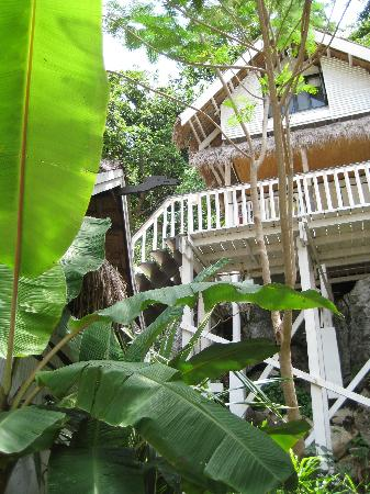 El Nido Resorts Miniloc Island: Miniloc: cliff cottage with 2 separate sleeping areas, good for 3-4 people, if stairs are okay