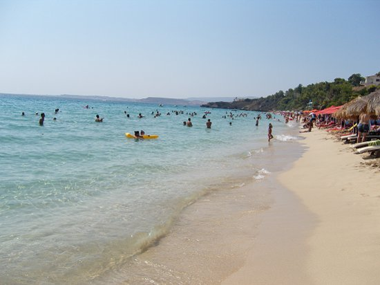 Lassi, กรีซ: Local beach - Makris Gialos beach!