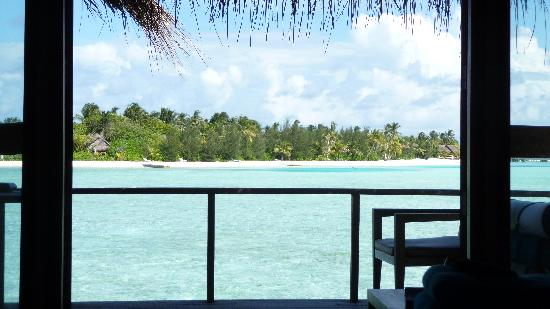 Anantara Veli Maldives Resort: room view - 9am