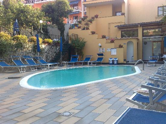 Swimming Pool at Hotel Capri at 9am!