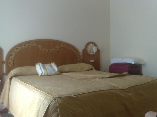 Hotel Capri: Our Room