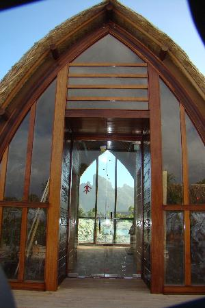 Four Seasons Resort Bora Bora: The Wedding chapel