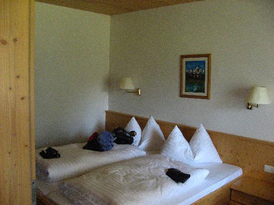 Gasthof Sonnblick: Apartment bedroom