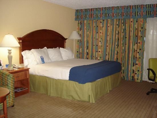 Comfort Inn Orlando/ Lake Buena Vista: Bedroom