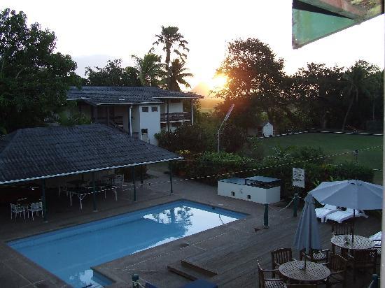 Tanoa Rakiraki Hotel: Hotel sunset