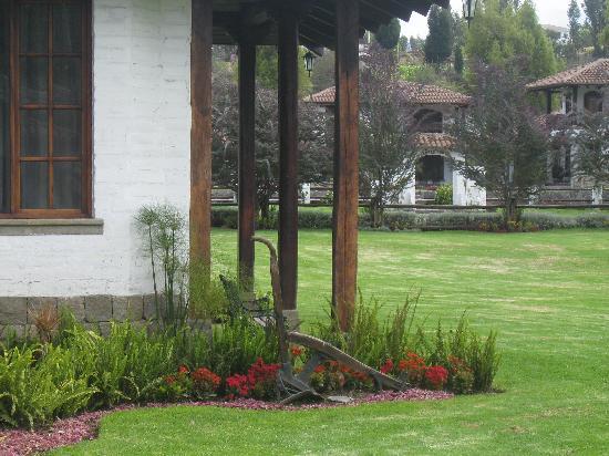 Hacienda Abraspungo: Gardens
