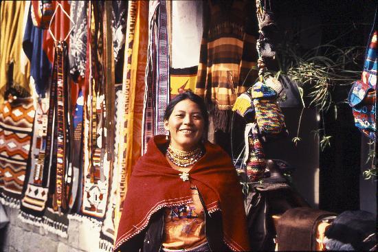 Hacienda Abraspungo: Indian market at Abraspungo