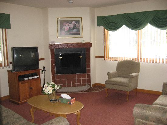 Ridge Top Village at Shawnee: Living~Room